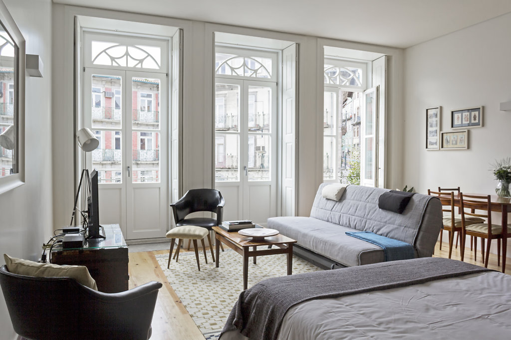 Loios Apartment | Renovation by OODA Studio | Decoration by Maria João/Joana Rocha Moreira